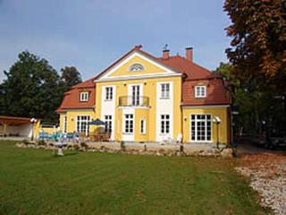 Herrenhaus Poppelvitz Vorderansicht