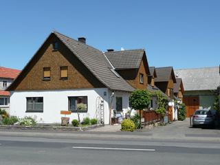FeWo Holzheimer Strassen- Hausansicht
