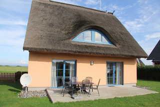 Ferienhaus Seeblick bei Dranske Ferienhaus mit Terrasse und Meerblick