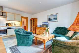 ZI_Ostseequartett - Wohnung Möwennest Wohnzimmer mit Küche