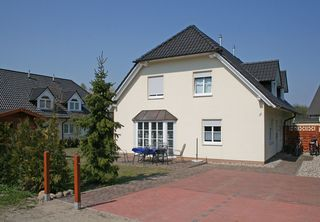 H: Haus Inselwind - Doppelhaushälfte - ca. 1000m zum Meer Außenansicht