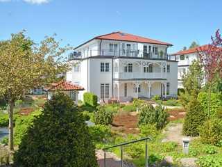 Villa Dornbusch F 623 WG 08 im 1. OG mit Sonnenbalkon Villa Dornbusch im Ostseebad Binz - Hausansicht