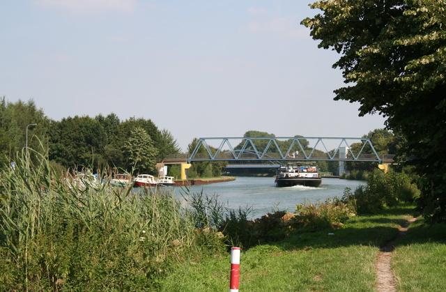 Am Mittelland Kanal