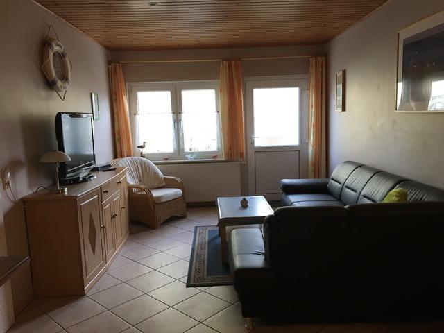 Typ 2 gemütliches Wohnzimmer mit Flachbildschirm