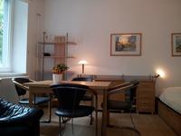 Ementis Tisch mit 4 Stühlen