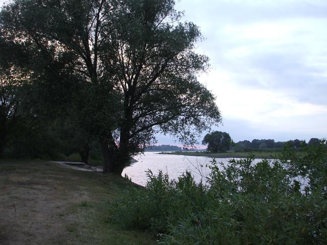 abendliche Badestelle am Oderhafen
