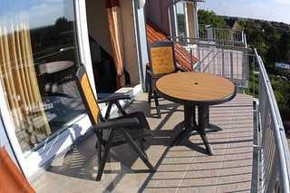 Ferienwohnung Inselpanorama in Bensersiel Außenansicht/Balkon