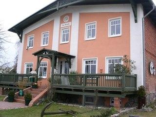 Appartementhaus in Seedorf SE BO -WLAN Hauseingang
