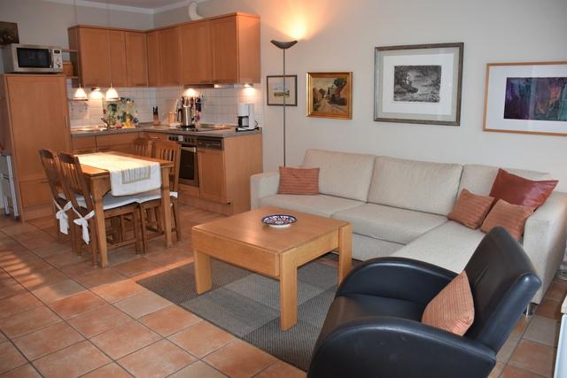 Wohnzimmer und Küche Wohnung 4