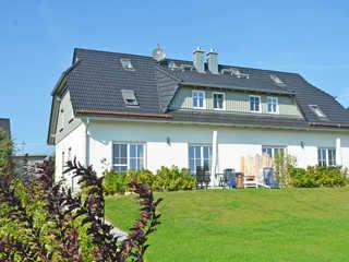 Haus Mönchgut F 609 Haushälfte 1 mit Terrasse + Garten Die Außenansicht vom Haus Mönchgut in Alt Redde...
