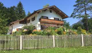 Ferienwohnung Schönbach Das Haus im Sommer