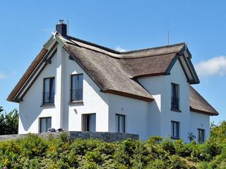 Reetdachhaus im Fischerdorf Reetdachferienhaus mit 2 Ferienwohnungen