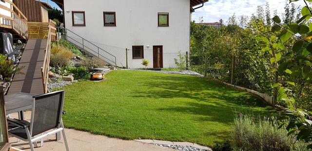 Garten (komplett eingezäunt)