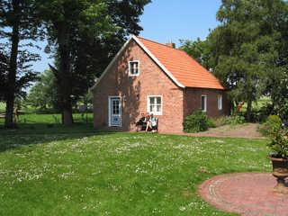 Ferienhof Historisches Altwerdumer Grashaus in Werdum Außenansicht