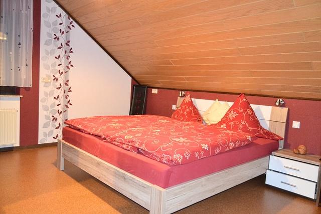 Schlafzimmer-02DG.