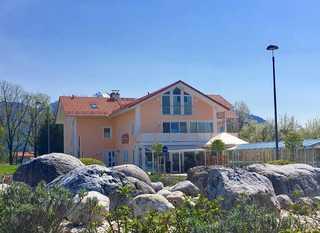 Shania Residence Aussenansicht von Kreisverkehr, Übersee