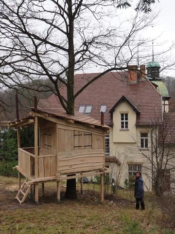 Der Garten mit dem Baumhaus ist ca. 3000qm groß.
