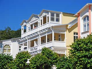 Villa Freya F549 WG 4 im 2. OG mit Balkon mit Strandkorb Villa Freya im Ostseebad Sellin