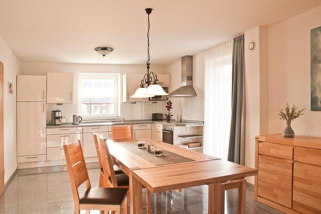 Bungalow: geräumige Wohnküche