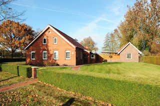 Ferienwohnung Wiesenblick, 65322 Außenansicht im Herbst